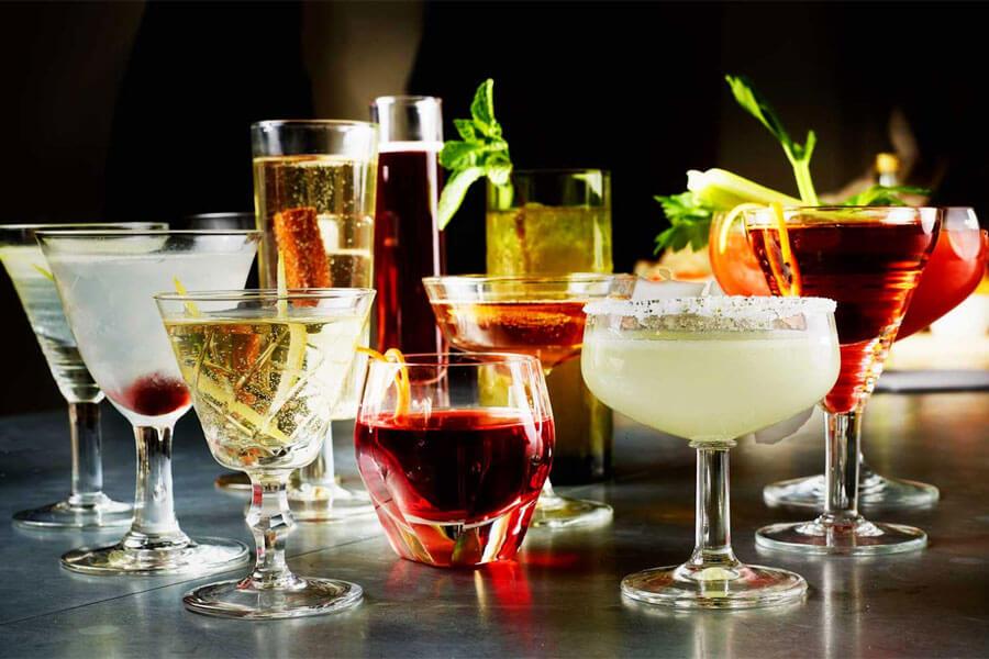 Cocktail là kết hợp từ rượu cùng các loại nguyên liệu, hương liệu khác nhau