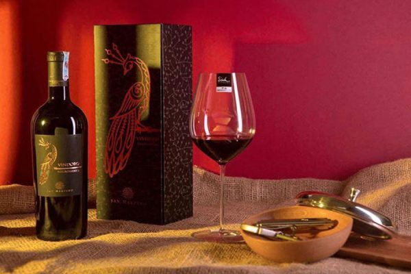 rượu vang Vindoro vang con Công