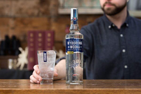 rượu Wyborowa Vodka